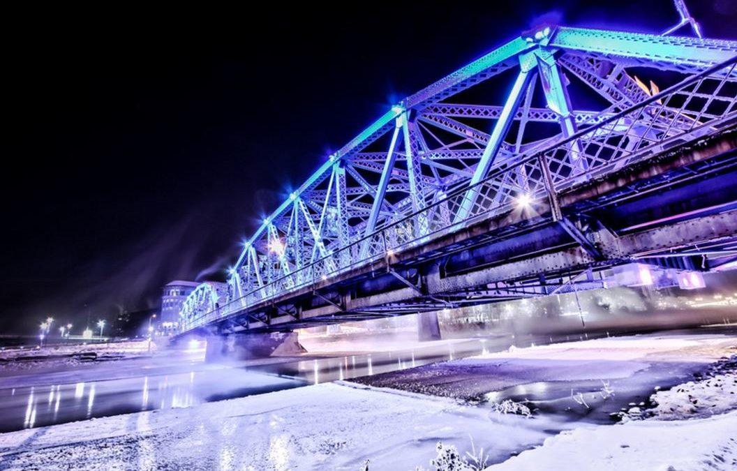 Awesome Light Installation: The Langevin Bridge
